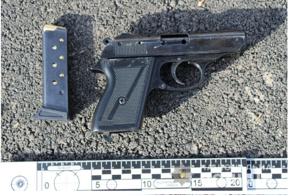 В Одесской области нетрезвый мужчина угрожал пистолетом с с..., фото-11