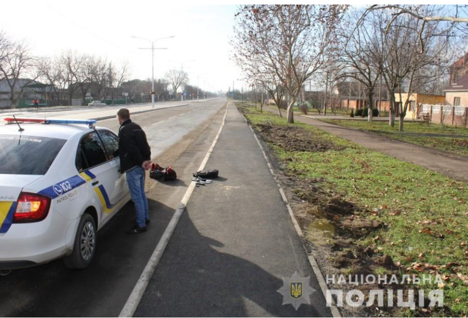 В Одесской области нетрезвый мужчина угрожал пистолетом с с..., фото-22