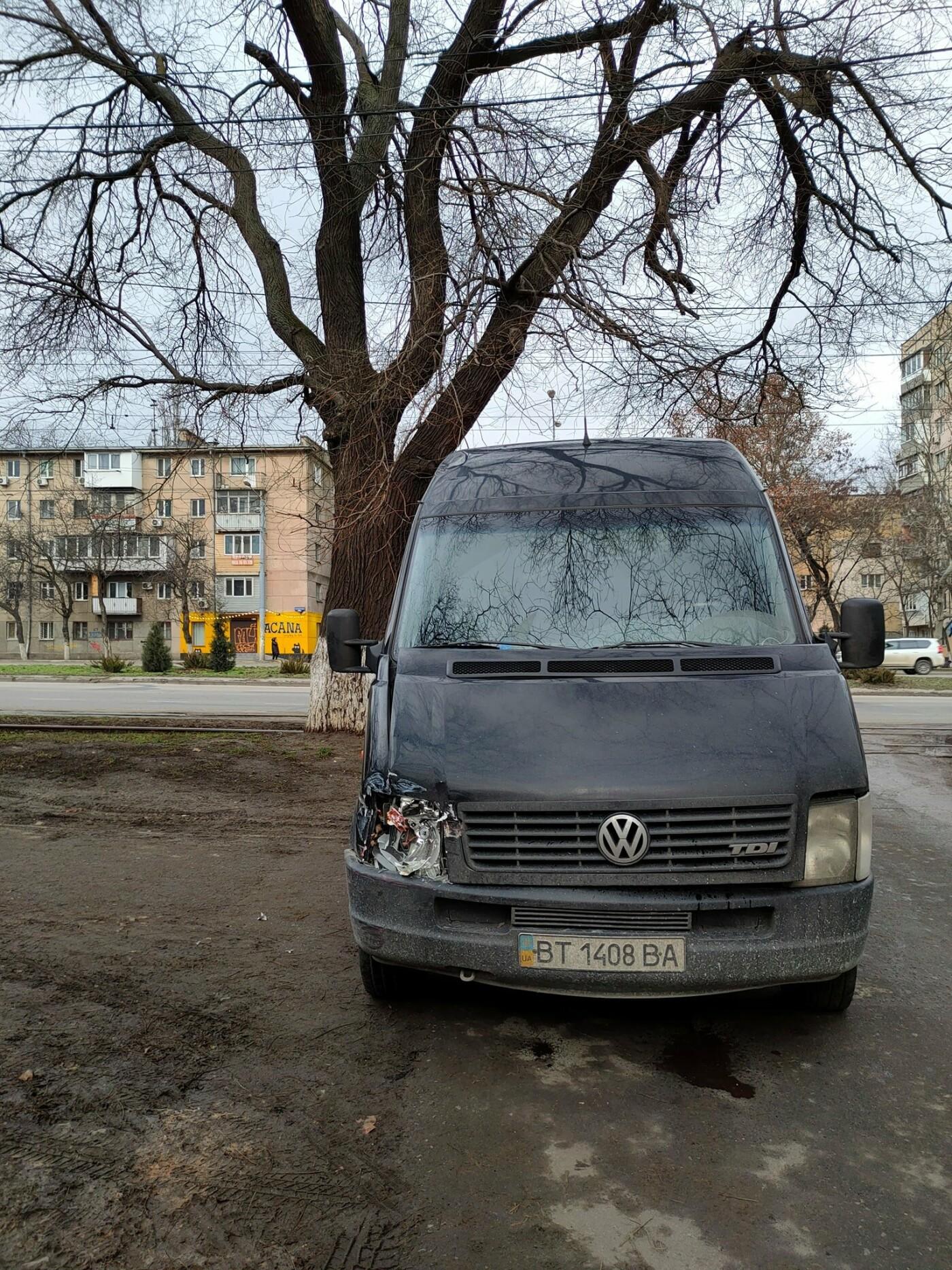 В Одессе микроавтобус врезался в трамвай, - ФОТО, фото-1