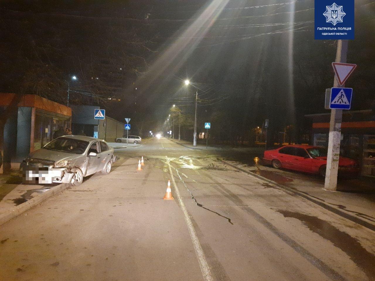ДТП в Одессе: Автомобиль влетел в магазин, - ФОТО, фото-11