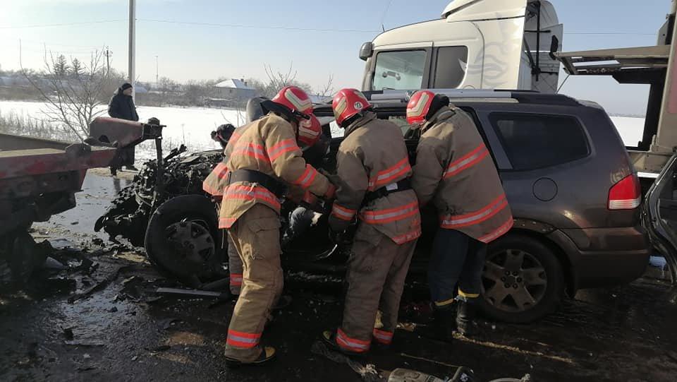 В Одесской области спасатели доставали водителя из машины,..., фото-11