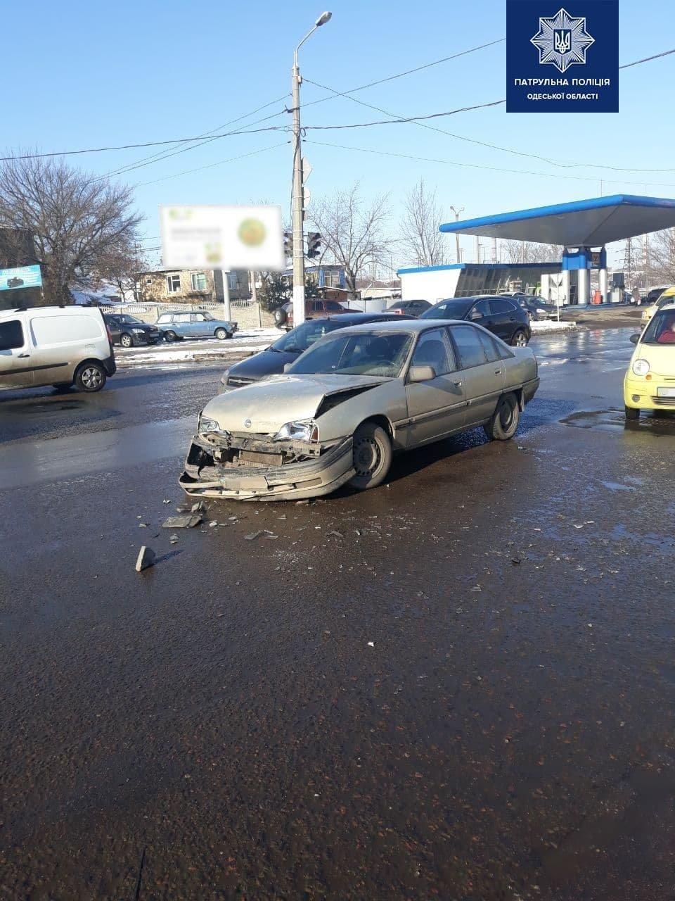 ДТП в Одессе: водитель автомобиля не пропустил скорую с бол..., фото-22