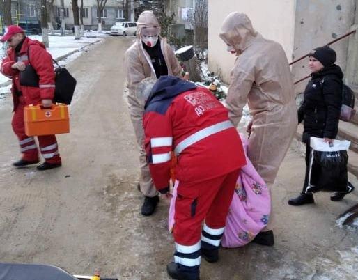 В Одесской области не могли перевезти тучную женщину, - ФОТО, фото-2