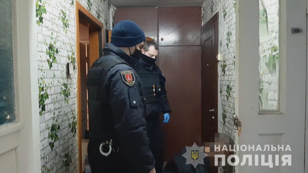 В Одессе задержали мужчину с отрубленной головой в руках, - ФОТО, ОБНОВЛЯЕТСЯ, фото-2