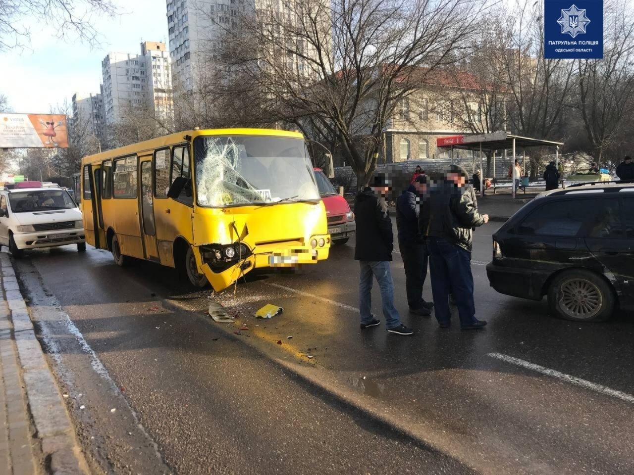 В Одессе маршрутчик стал виновником двойного ДТП, - ФОТО, фото-22