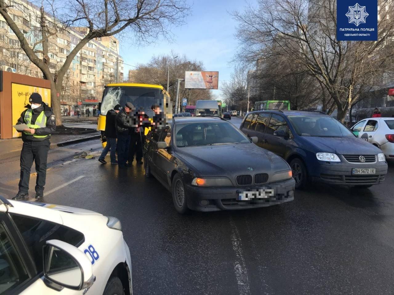 В Одессе маршрутчик стал виновником двойного ДТП, - ФОТО, фото-11
