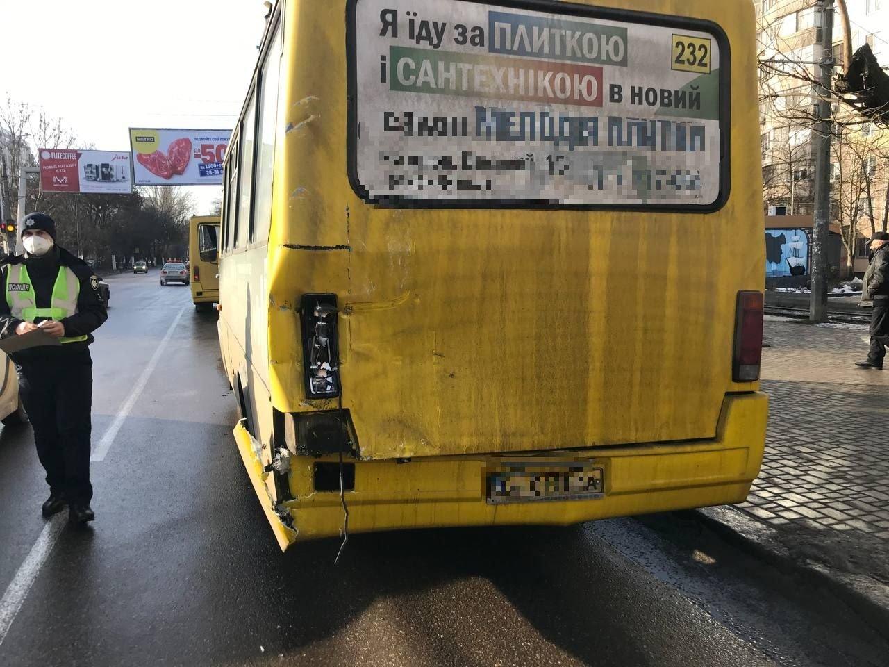 В Одессе маршрутчик стал виновником двойного ДТП, - ФОТО, фото-33