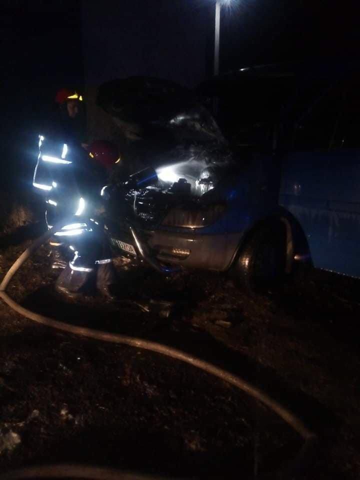В Одесской области сгорел автомобиль, - ФОТО, фото-11