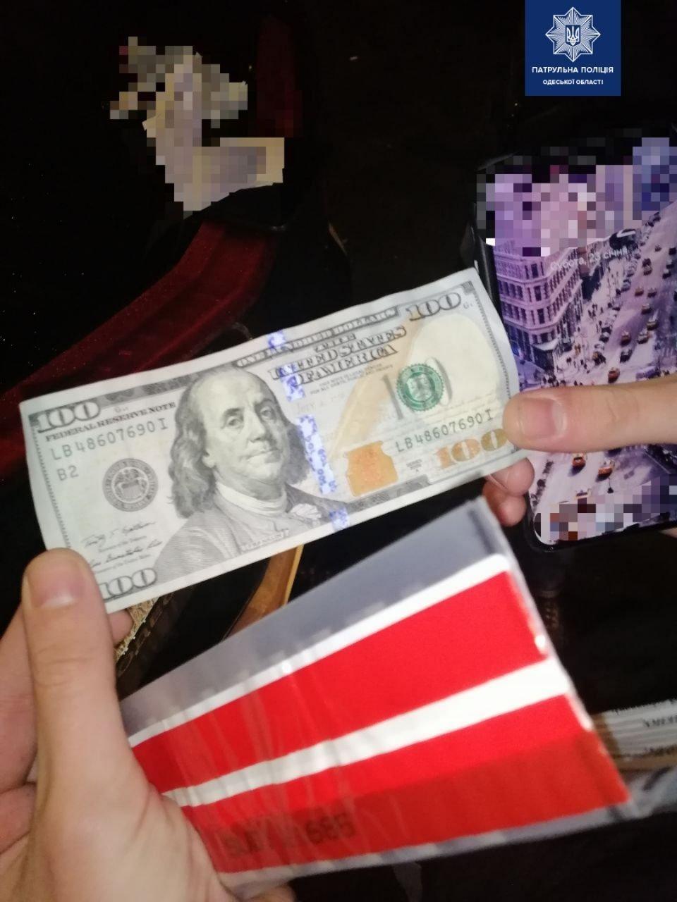В Одессе пьяный водитель пытался дать взятку полицейским, - ФОТО, фото-1