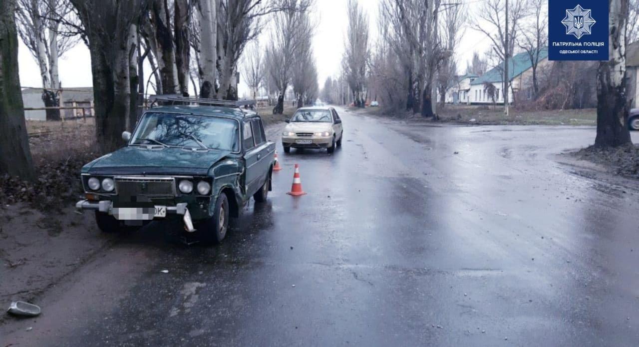 В Одессе водитель врезался в автомобиль и протаранил дерево..., фото-11