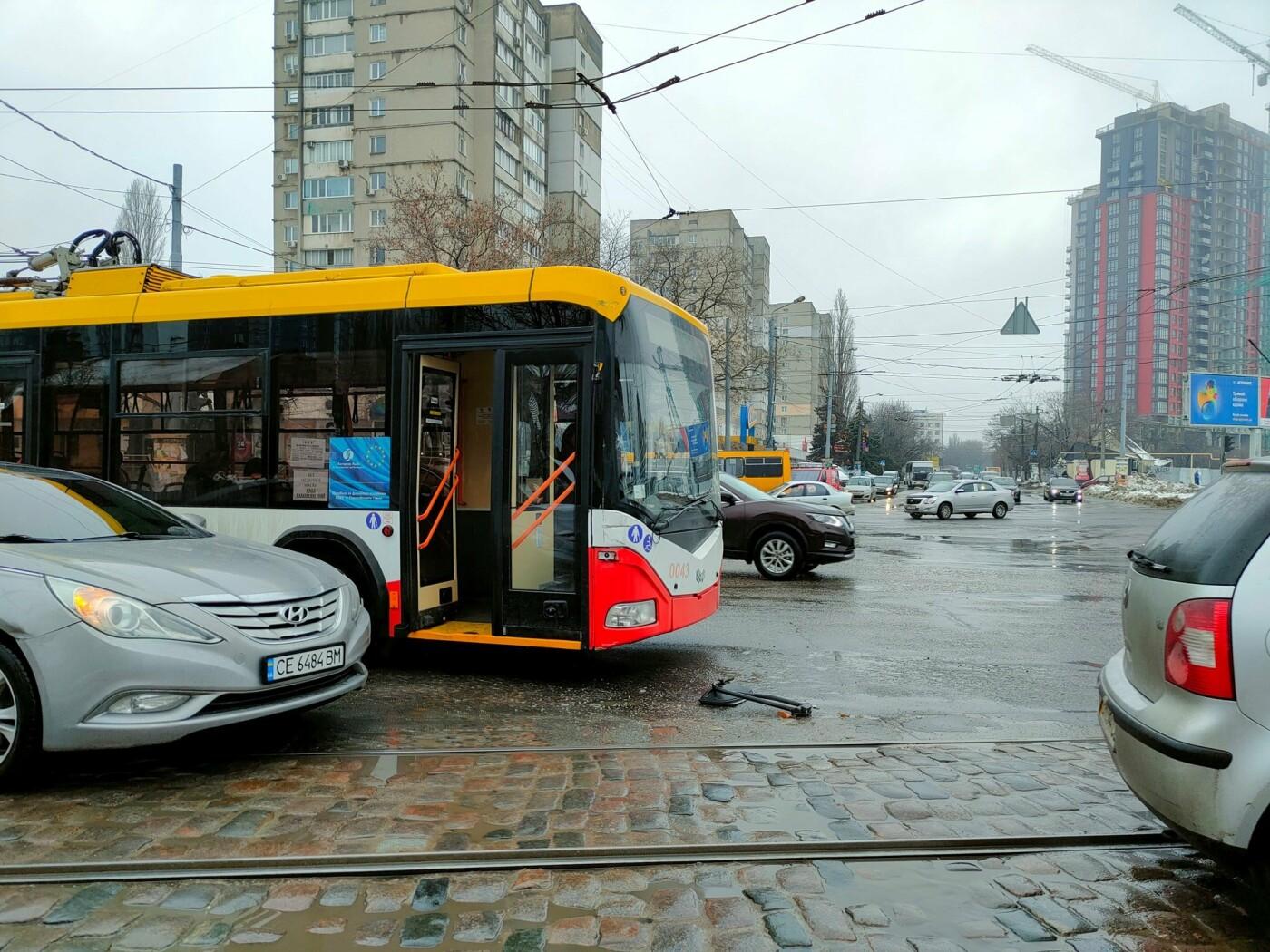 Курьезное ДТП в Одессе: столкнулись трамвай и троллейбус, -..., фото-44