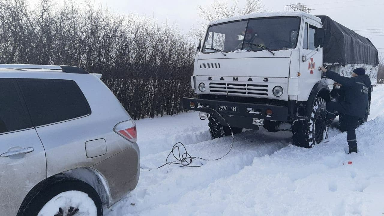 Вез продукты и застрял: спасатели доставали автомобиль из с..., фото-11