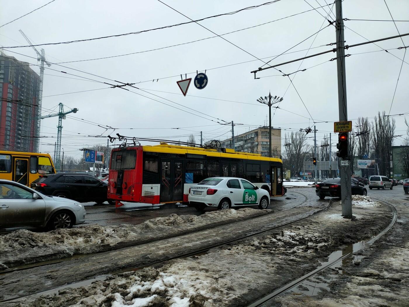 Курьезное ДТП в Одессе: столкнулись трамвай и троллейбус, -..., фото-11