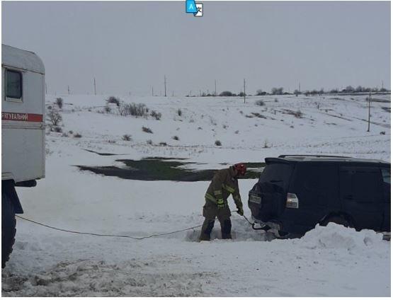 В Одесской области спасатели вытаскивали из снега фуру и вн..., фото-22