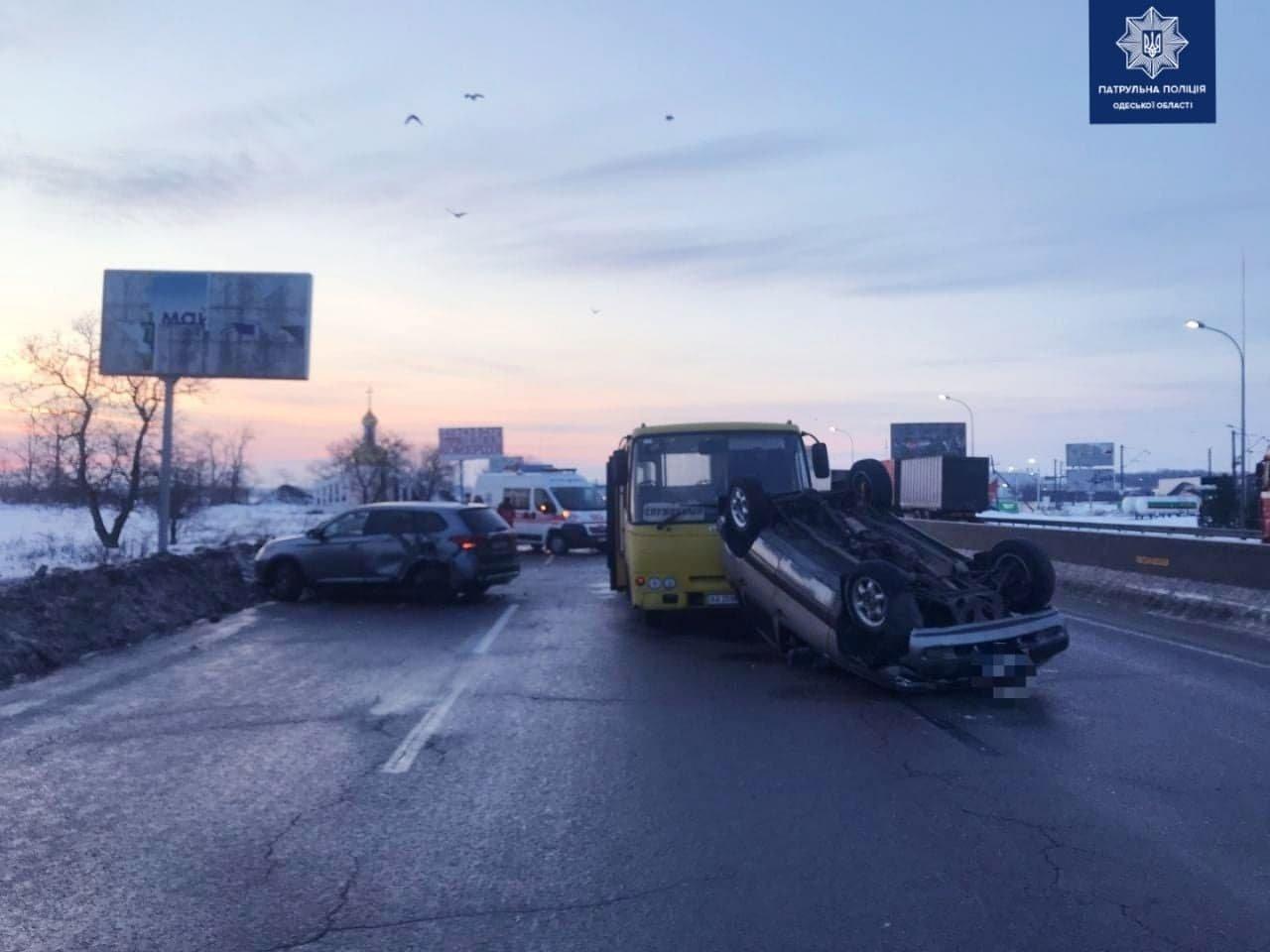 Три машины, автобус, пострадавший: на трассе Одесса-Киев пр..., фото-11