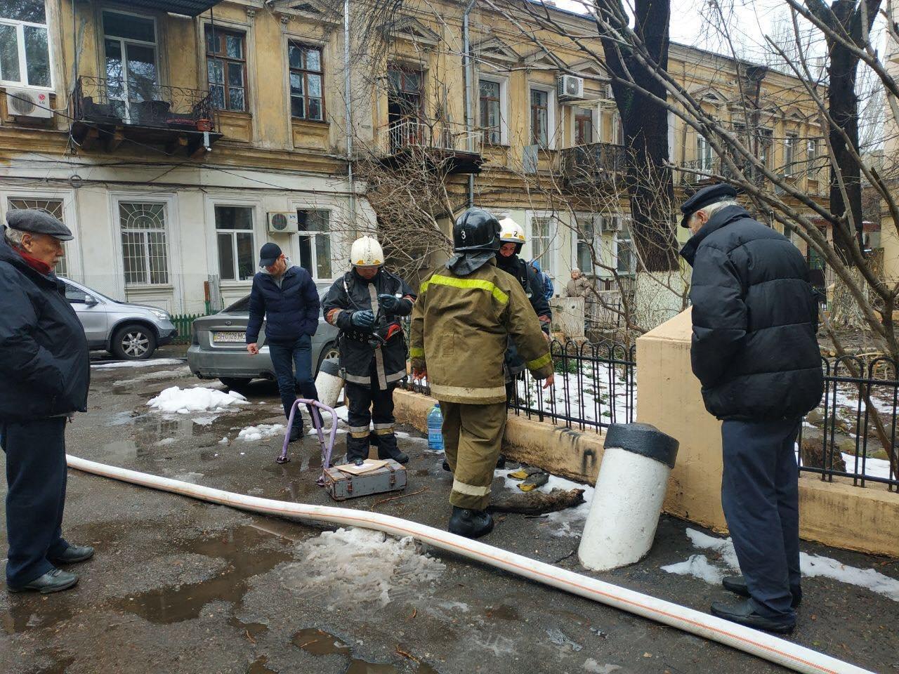 Пожар в Одессе сегодня: спасли кота, - ФОТО3