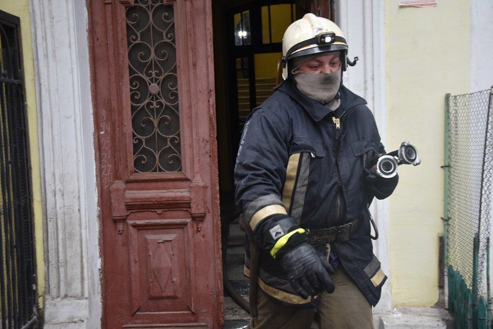 Пожар в Одессе сегодня: спасли кота, - ФОТО1