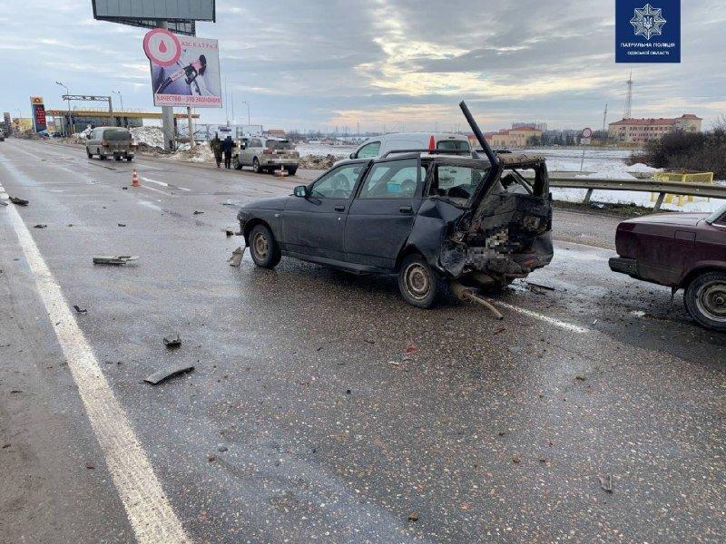 Покорёженный метал и пострадавшие: в Одессе произошло ужасн..., фото-11