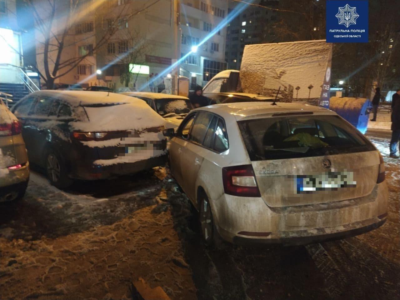 В Одессе пьяный водитель устроил ДТП и разбил 7 автомобилей..., фото-11