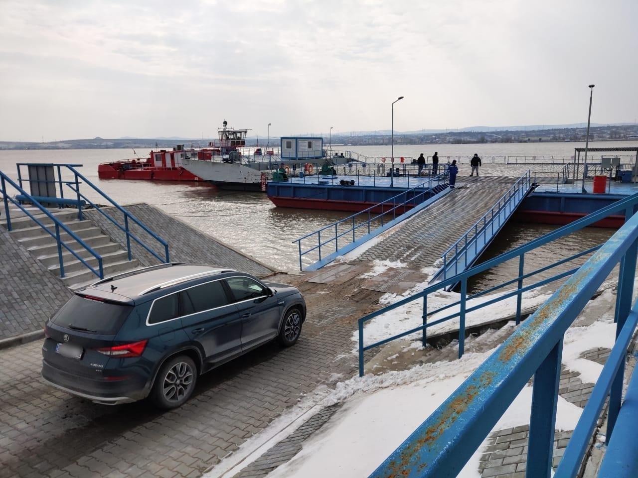 Первый автомобиль отправился в Румынию через паромный пункт пропуска в Одесской области, - ФОТО, фото-2