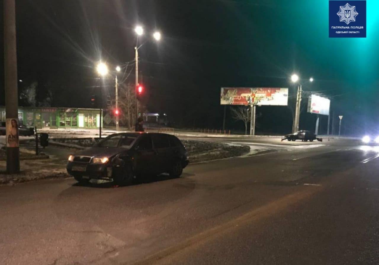 В Одессе по вине пьяного водителя произошло тройное ДТП, есть пострадавшая, - ФОТО, фото-2