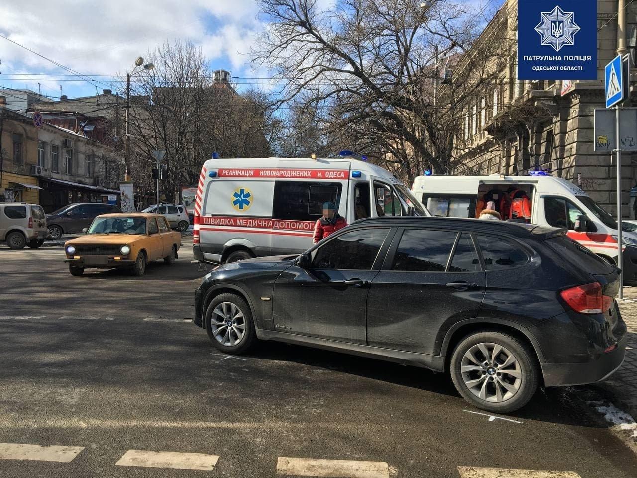 В центре Одессы скорая столкнулась с BMW, - ФОТО, фото-2