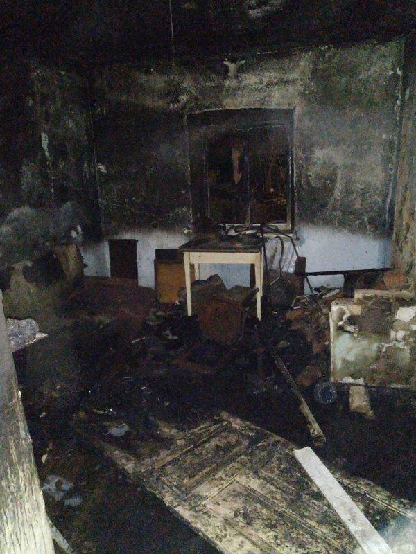 Под Одессой горел частный дом, есть пострадавший, - ФОТО, фото-1