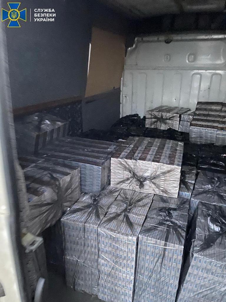 В Одесской области нашли подпольные цеха по производству поддельного алкоголя и сигарет, - ФОТО, фото-1
