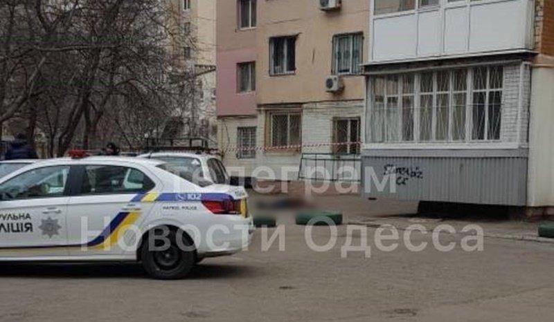 В Одессе мужчина выпрыгнул с балкона на 13 этаже, - ФОТО, ВИДЕО , фото-2