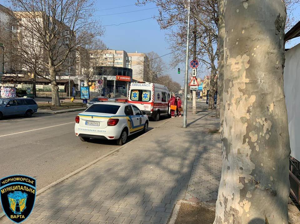 Нашли на тротуаре: в Одесской области спасли жизнь пожилому мужчине, - ФОТО, фото-5