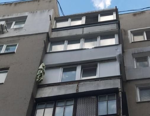 Под Одессой девушка пыталась спастись из горящей квартиры и сорвалась с навеса, - ФОТО, фото-1