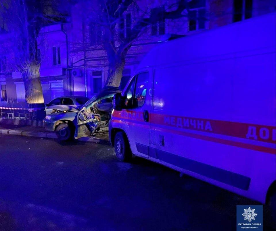 В ночном ДТП в Одессе пострадал пассажир скорой, - ФОТО, фото-1