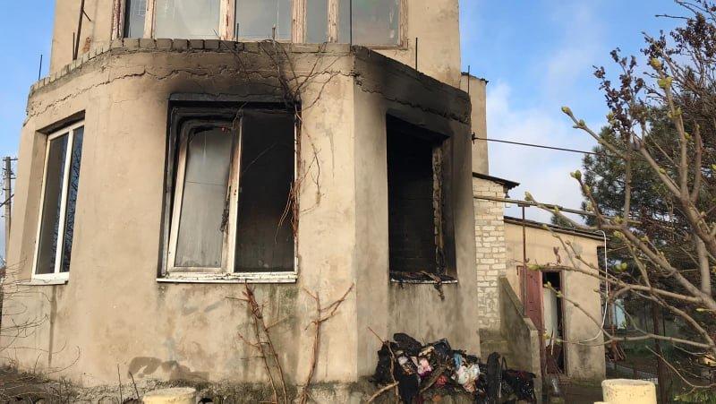 Во время пожара в Одесской области погибла женщина и пострадал мужчина, - ФОТО, фото-1