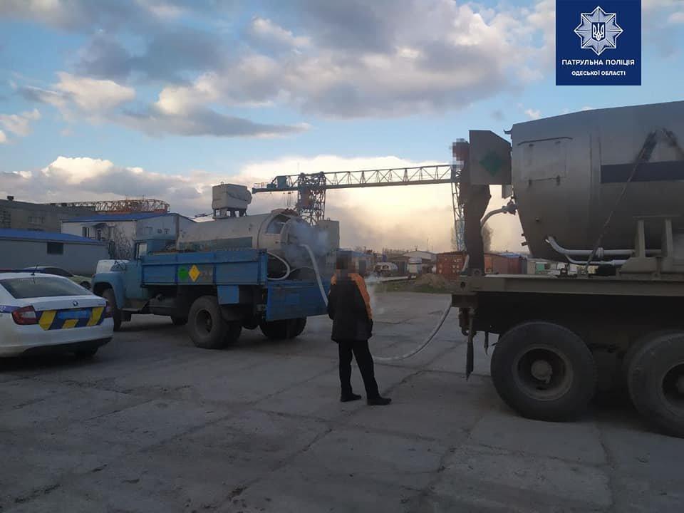 Одесские полицейские помогли доставить медицинский кислород для больных covid-19,- ФОТО, фото-2