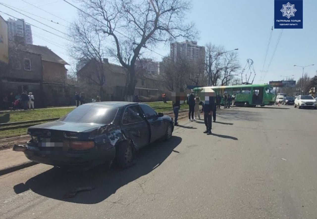 Есть пострадавшие: появились подробности ДТП с участием трамвая в Одессе, - ФОТО, ВИДЕО , фото-3