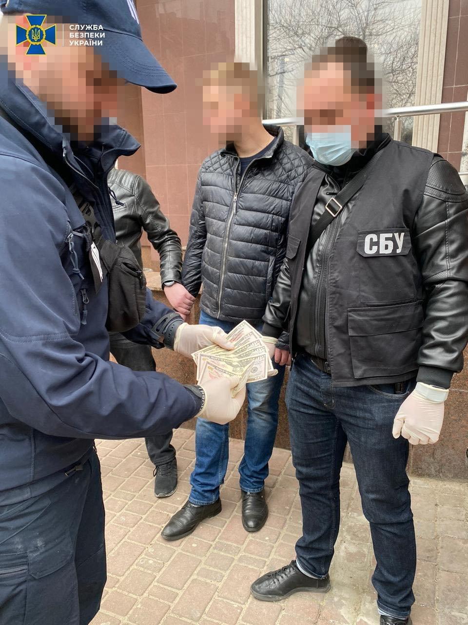 В Одессе сотрудник фискальной службы регулярно получал взятки от бизнесменов, - ФОТО, фото-1