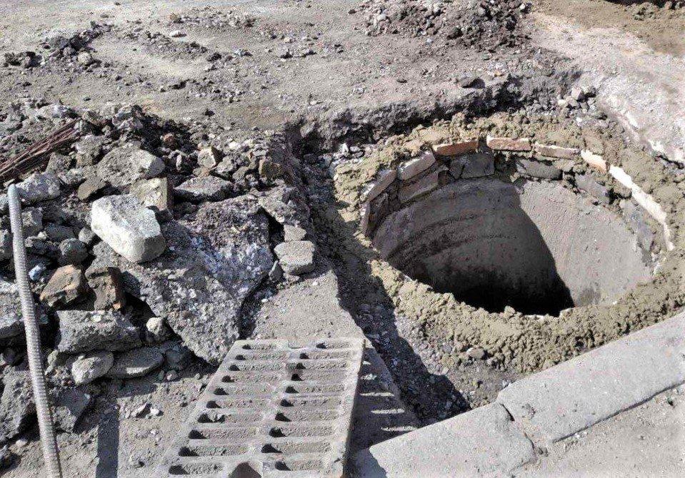 Одесские коммунальщики ремонтируют решетки дождеприемников, - ФОТО, фото-6