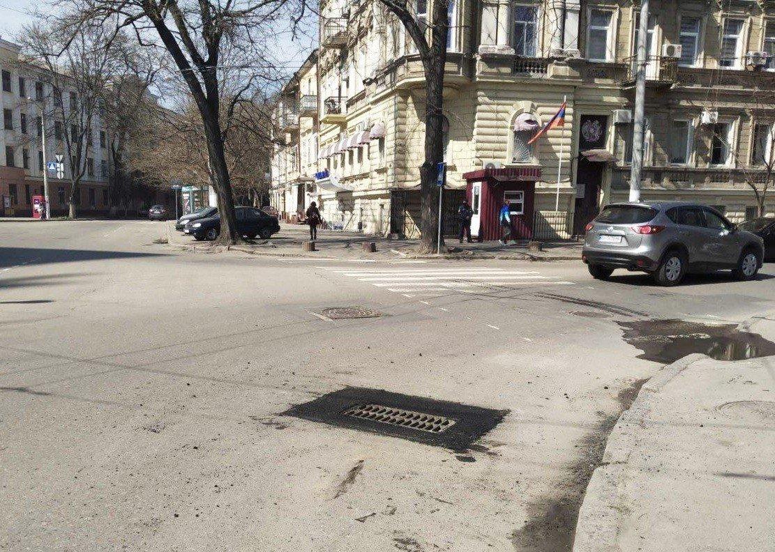 Одесские коммунальщики ремонтируют решетки дождеприемников, - ФОТО, фото-12
