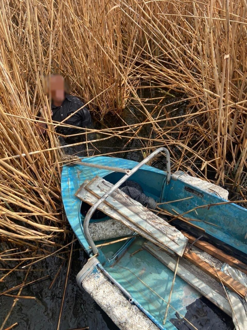 Мог утонуть или умереть от переохлаждения: в Одесской области спасли рыбака, фото-1