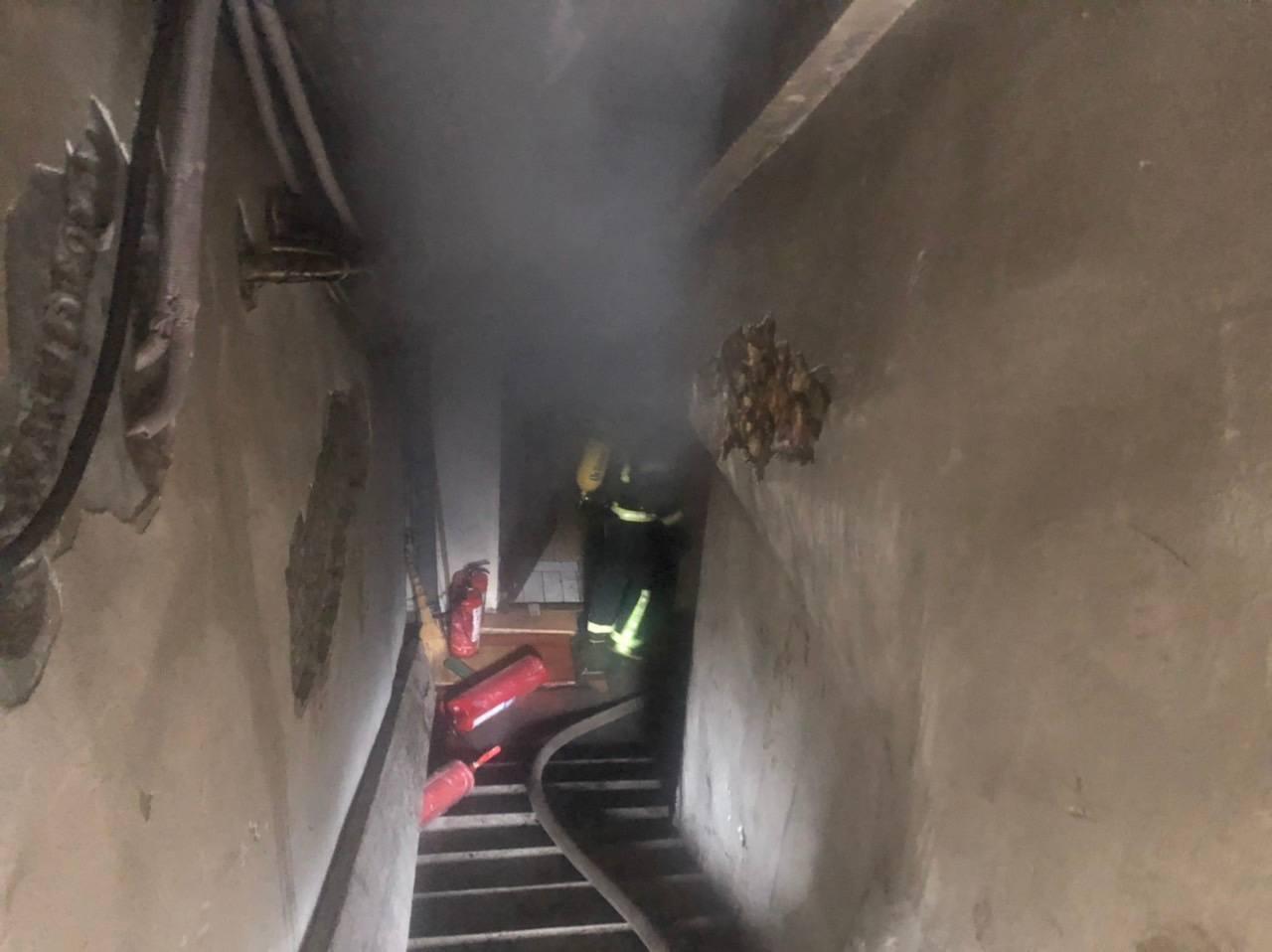 В центре Одессы полсотни спасателей тушили подвал отеля, - ФОТО, фото-1