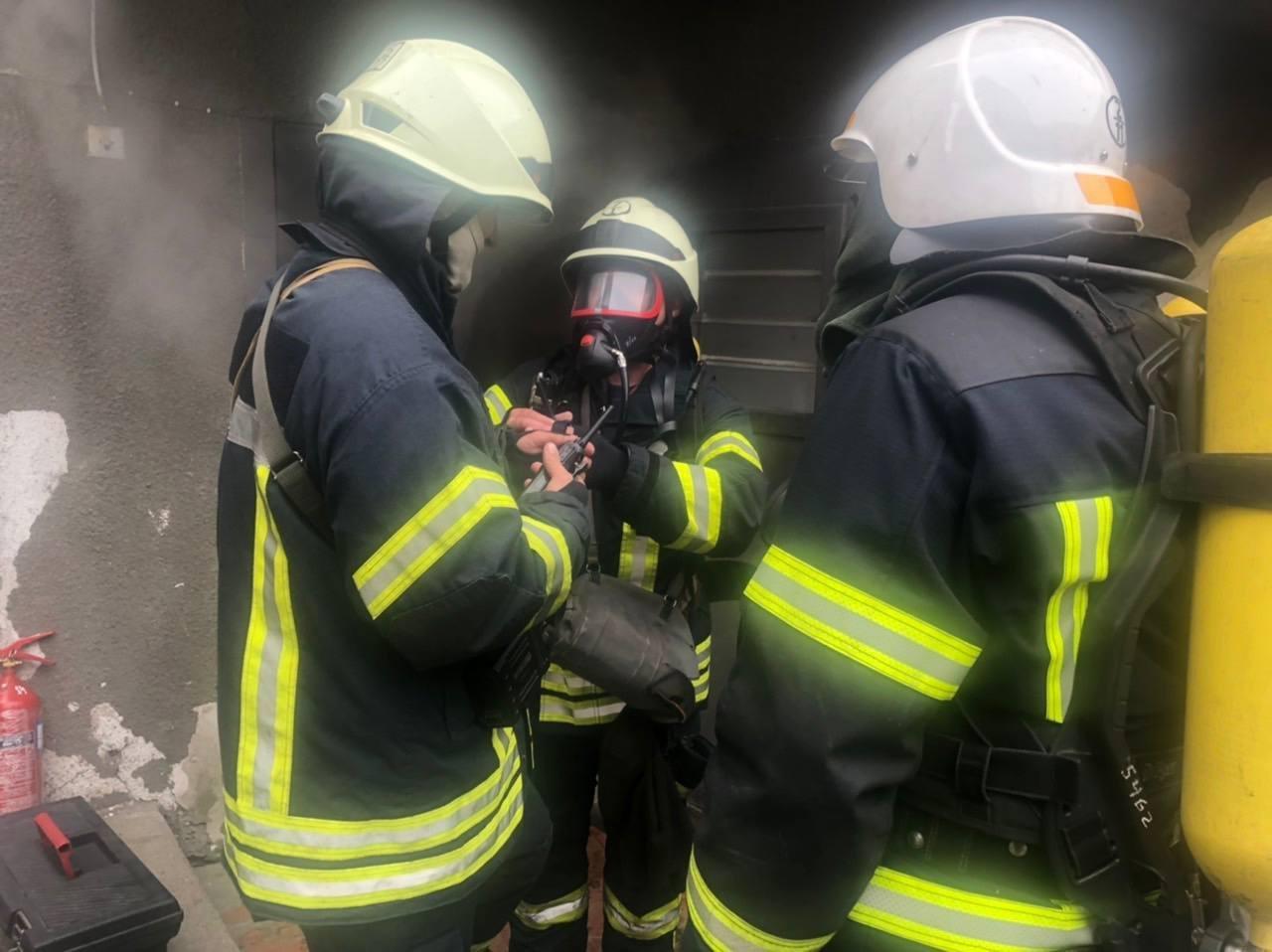 В центре Одессы полсотни спасателей тушили подвал отеля, - ФОТО, фото-2