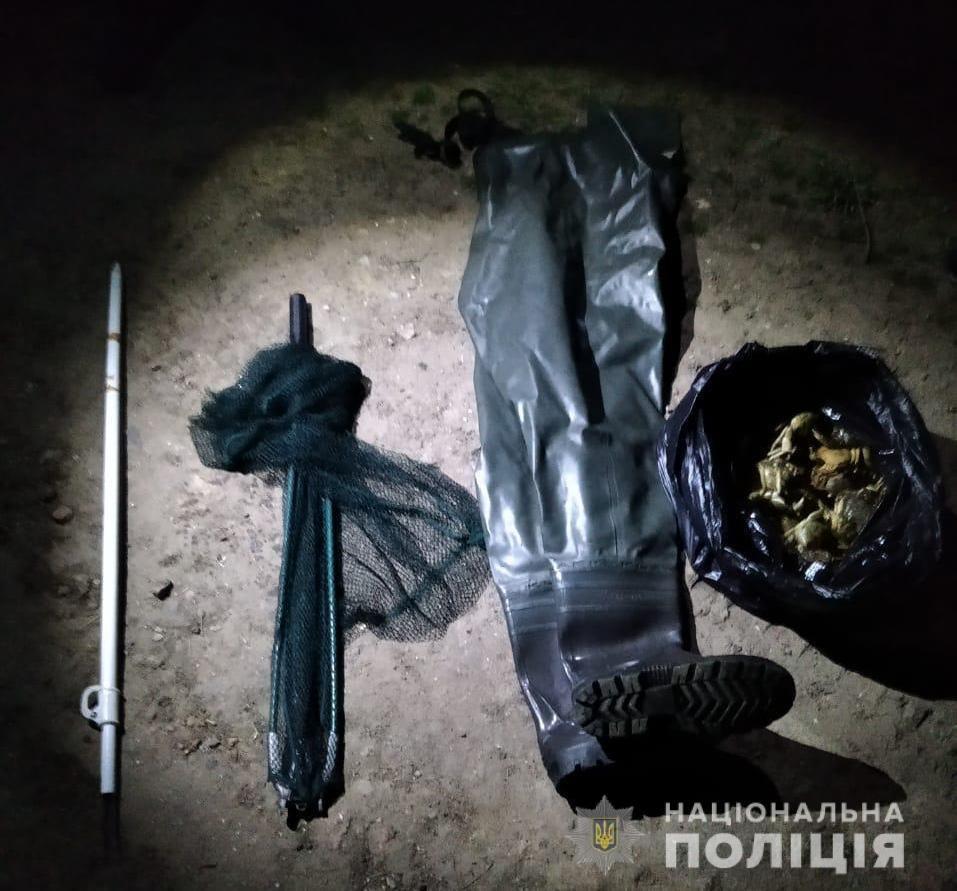 Под Одессой задержали браконьеров, которые ловили крабов и камбалу, - ФОТО, фото-3