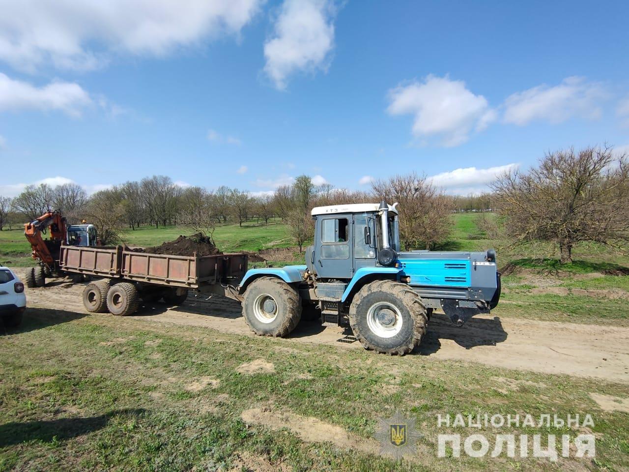 В Одесской области предприятие незаконно добывало чернозем, - ФОТО, фото-2