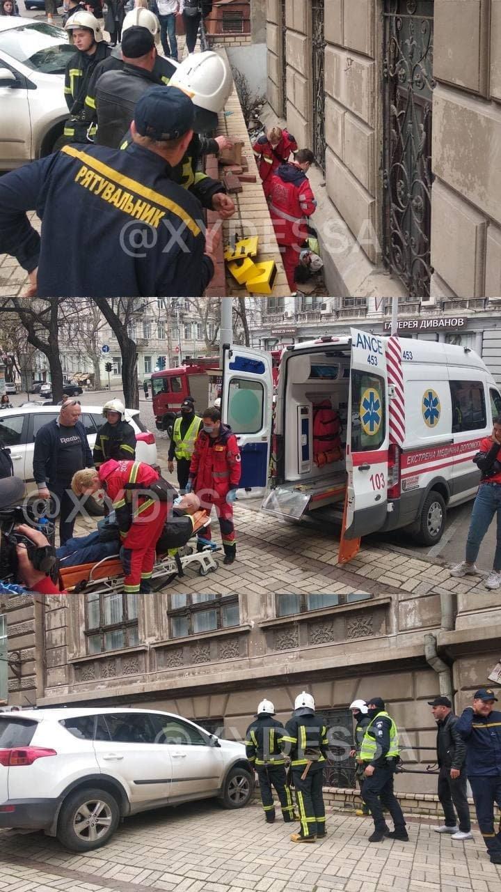В центре Одессы автомобиль сбил мужчину: пришлось вызывать спасателей, - ФОТО, фото-1