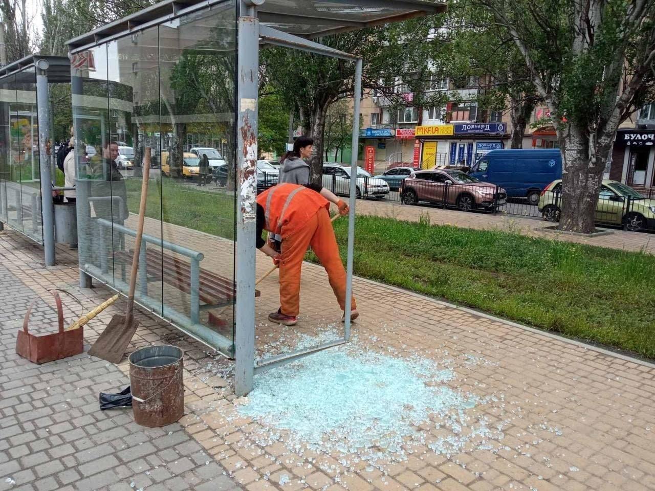 В Одессе вандалы разбили остановку трамвая, - ФОТО, фото-1