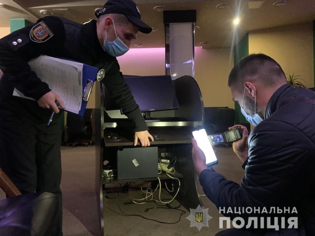 В Одессе полицейские закрыли подпольное казино, - ФОТО , фото-2