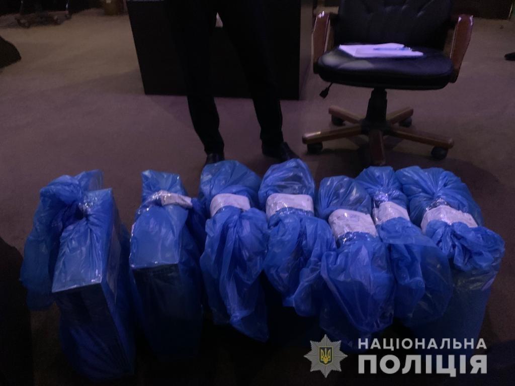 В Одессе полицейские закрыли подпольное казино, - ФОТО , фото-4