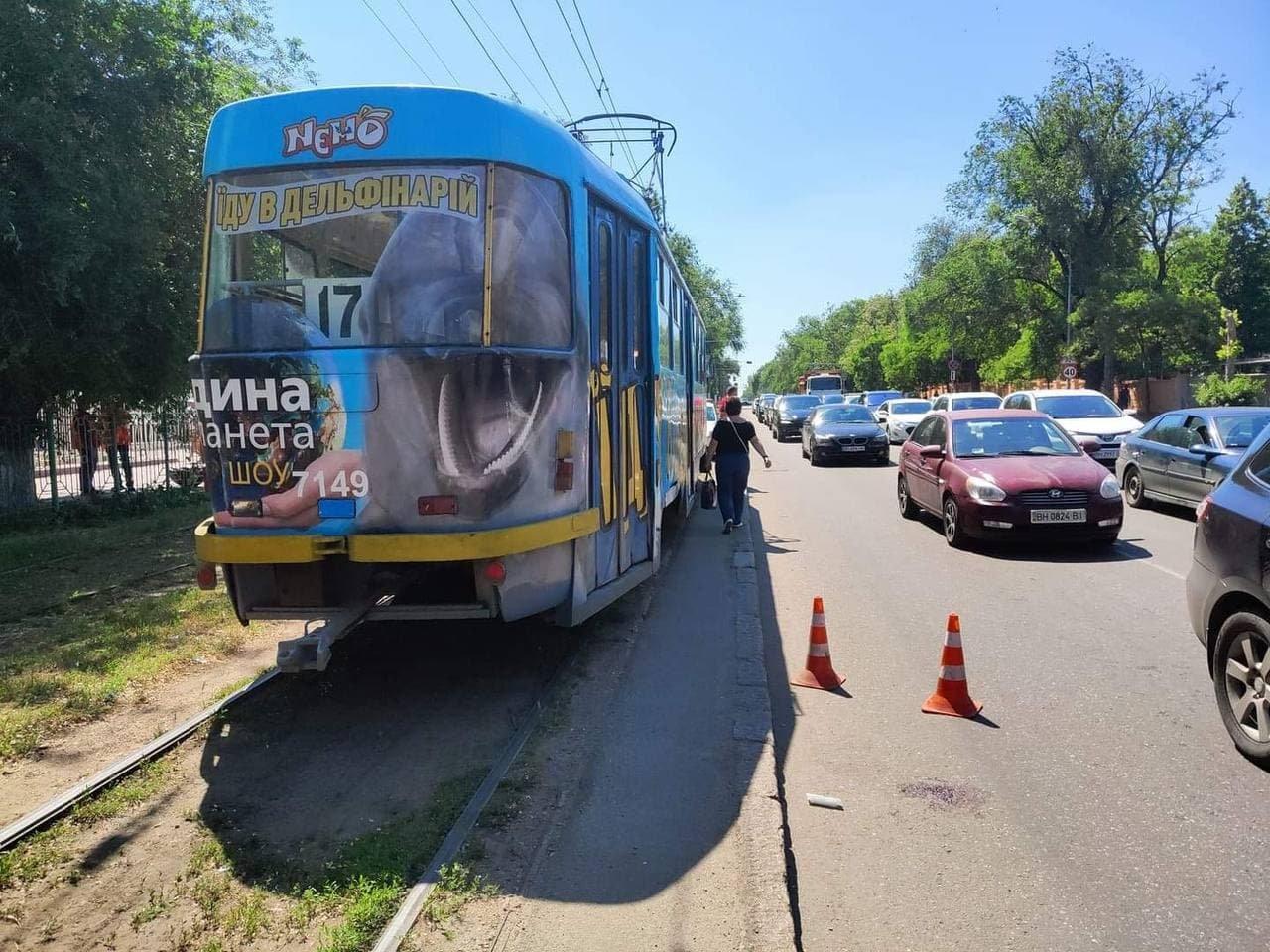 В Одессе трамвай сбил женщину, - ФОТО, фото-2