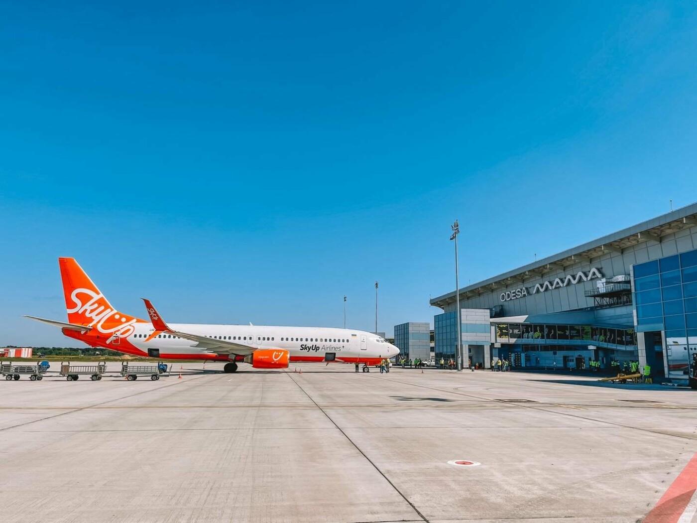 Одесский аэропорт принял первый рейс на новом перроне, - ФОТО, фото-2