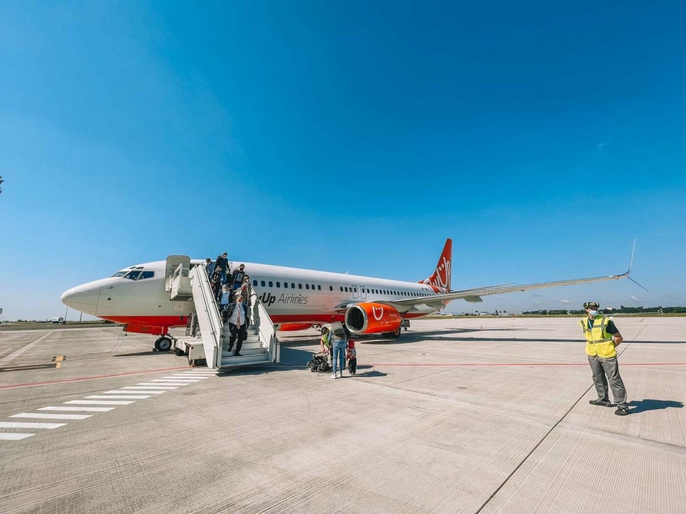 Одесский аэропорт принял первый рейс на новом перроне, - ФОТО, фото-4
